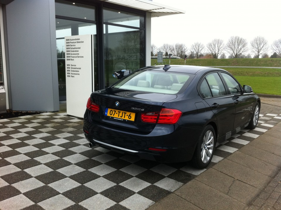 BMW F30 320d EfficientDynamics Edition Achterkant