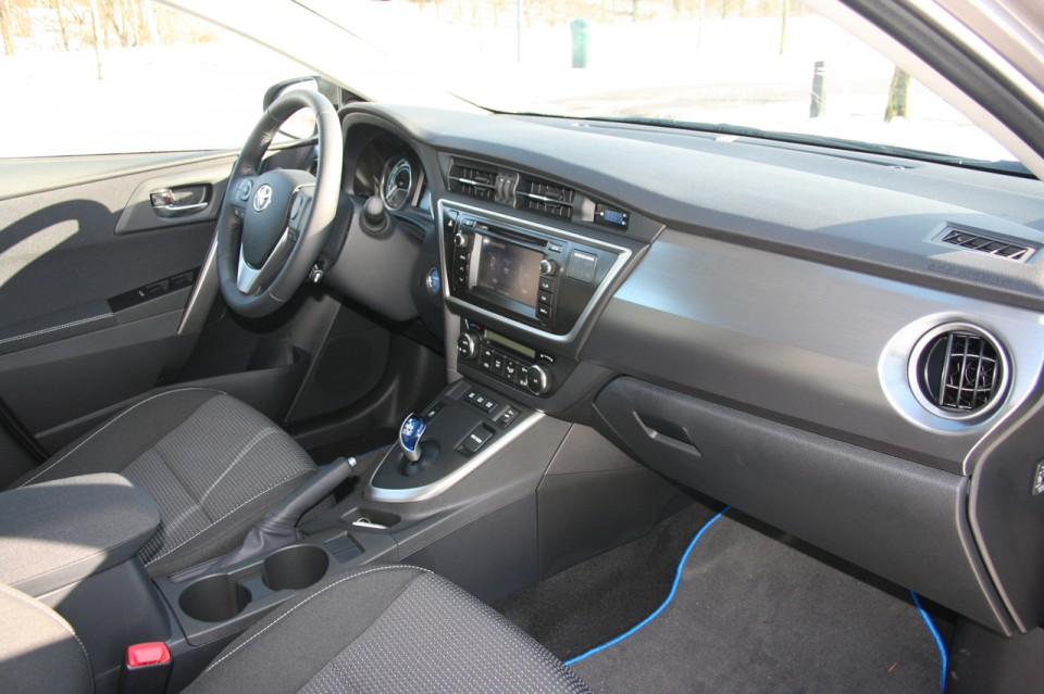 Toyota Auris Hybrid Dashboard