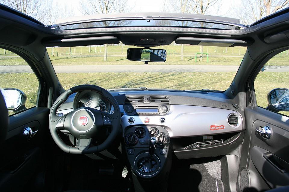 Fiat 500S Cabrio Dashboard