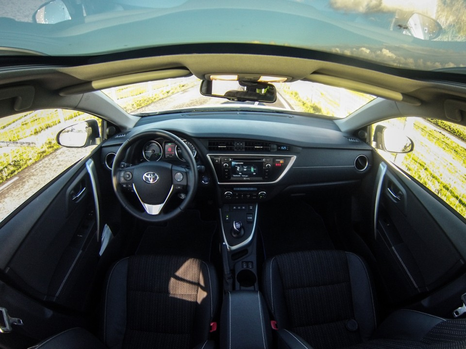 Toyota Auris Hybrid Touring Sports Interieur