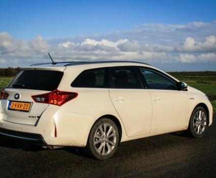 Toyota Auris Hybrid Touring Sports Zijkant