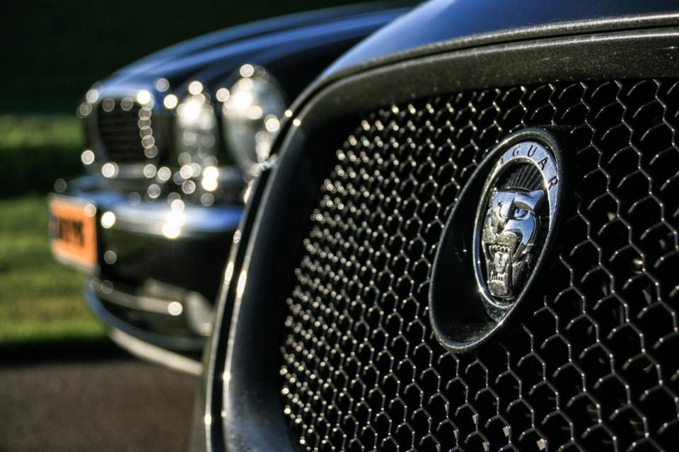 Jaguar XF Sportbrake vs XJ6