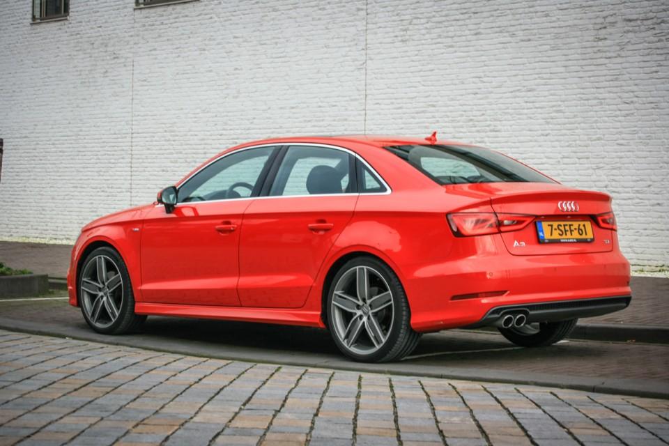 Audi A3 Limousine Zijkant