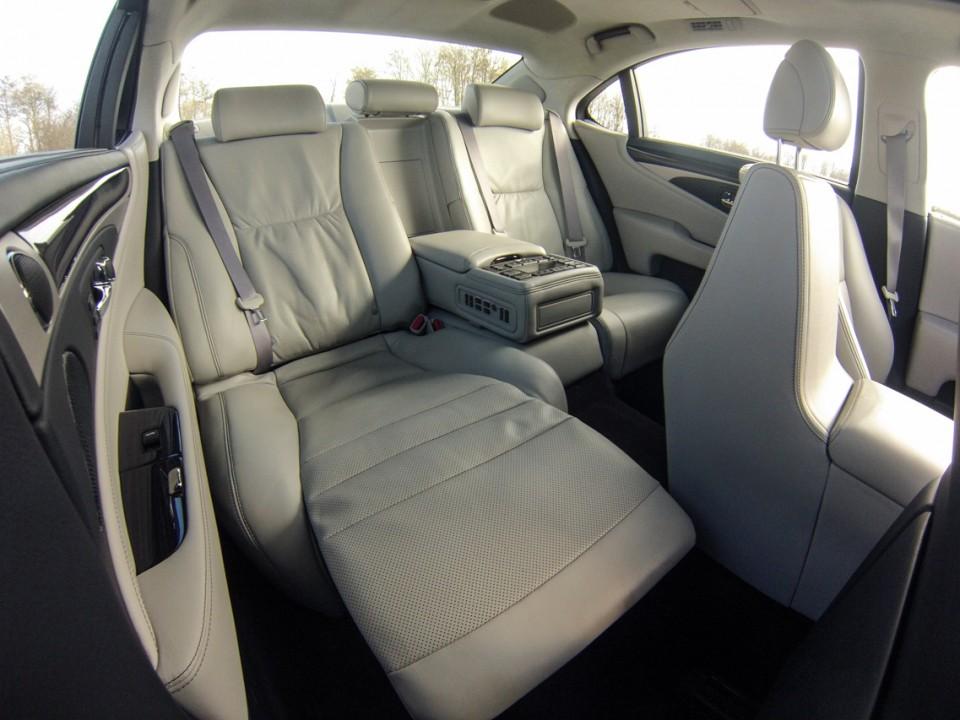 Lexus LS600h L backseat