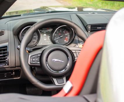Jaguar F-TYPE Convertible V6 S Dashboard