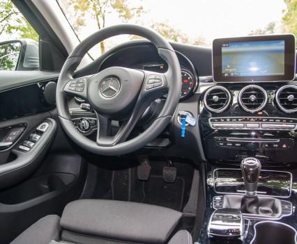 Mercedes C Klasse W205 dashboard