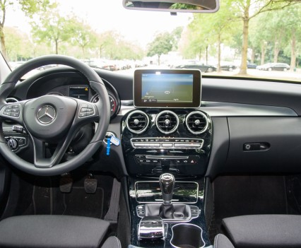 Mercedes C Klasse W205 dashboard