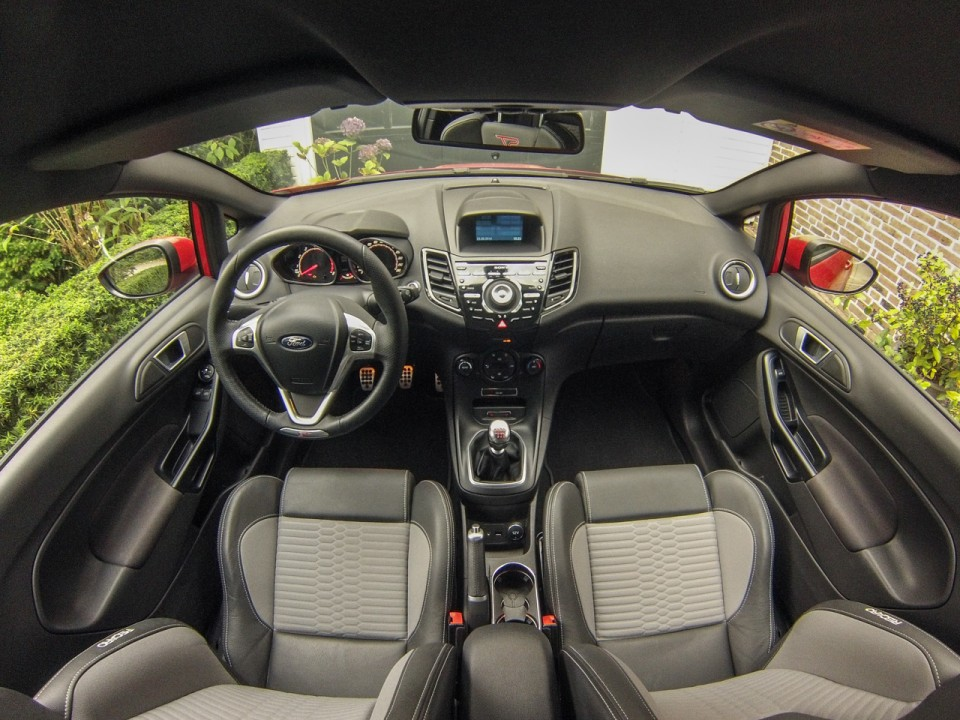 Ford Fiesta ST interieur