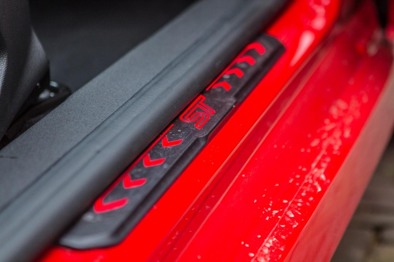 Ford Fiesta ST dorpel