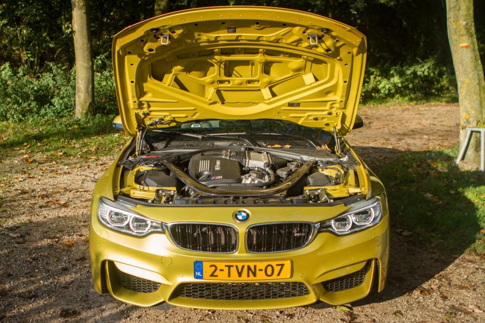BMW F82 M4 motor 2014