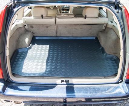 Huge trunk Volvo V70 2.5D